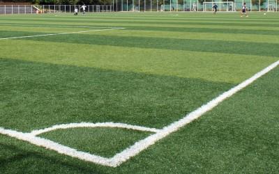 El corcho en el fútbol: innovación para construir terrenos de juego